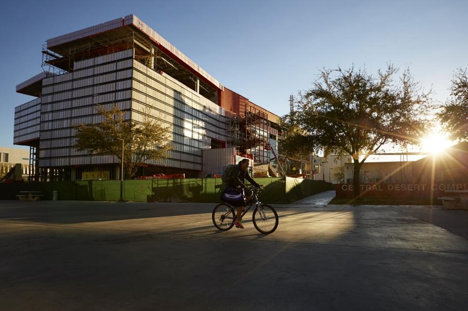 "UNLV.edu ""Hospitality Hall Right on Track"""